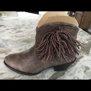 Ariat Shoes - ARIAT ALMOND TOE BOOTS